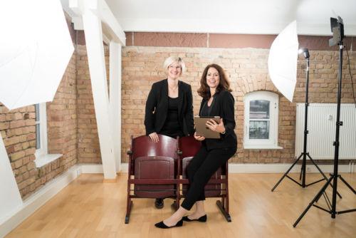 Porträt Rechtwerk Duo Regine Rang und Sabine Bleuel